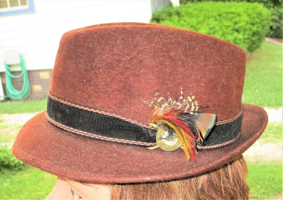 e040ba9edf9 Vintage 60s Brown Fur Felt Pelana 7 Hat Fedora Hiking