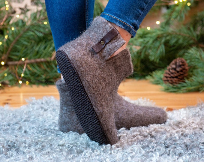 Warm wool ankle boots slippers with short side cut WOOBOOT Beige Brown