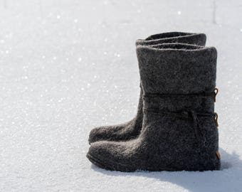 Extra warm gray winter boots with laces, Women felted wool boots, Felted booties for her, Woolen shoes, Felted shoes, Rustic snow boots