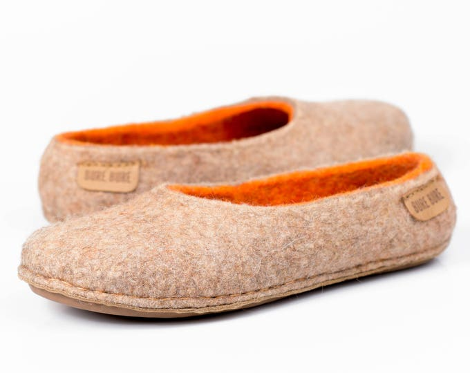 Ready to ship US 5,5/6 women/ EU 36/36,5 Alpaca wool / natural wool felted women slippers with orange inner layer
