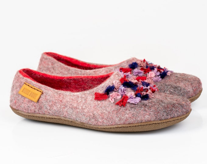 NEW Women wool and alpaca slippers with Indian sari silk ribbons, Boho Style slippers