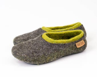 Ready to Ship Super cozy Felted Woolen Women slippers with a colorful inner part and leather soles Gray and green slippers Handmade slippers
