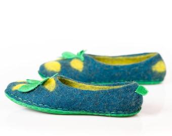 Felted slippers for women with lemon print, Handmade felt slippers, Housewarming gift ideas tropical fruit women slippers, Flower girl gift