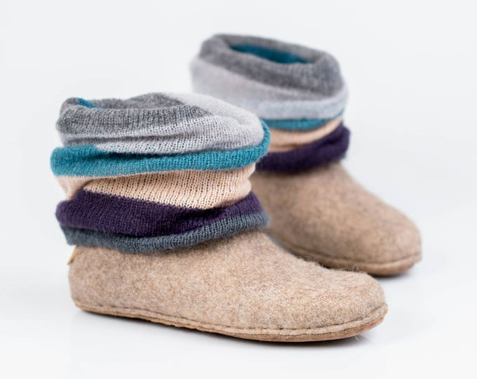Beige woolen ankle boots with a knitted top, Leg warmer, Handmade Boho style Shoes