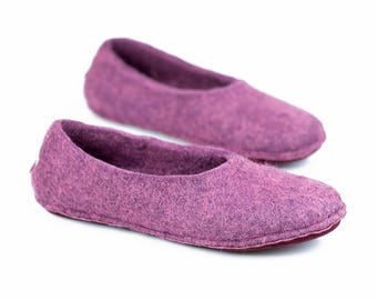 Hygge all handmade Ultra violet felted slippers for women, Women wool slippers, No heel bedroom slippers, Hygge home shoes, Gift idea mother