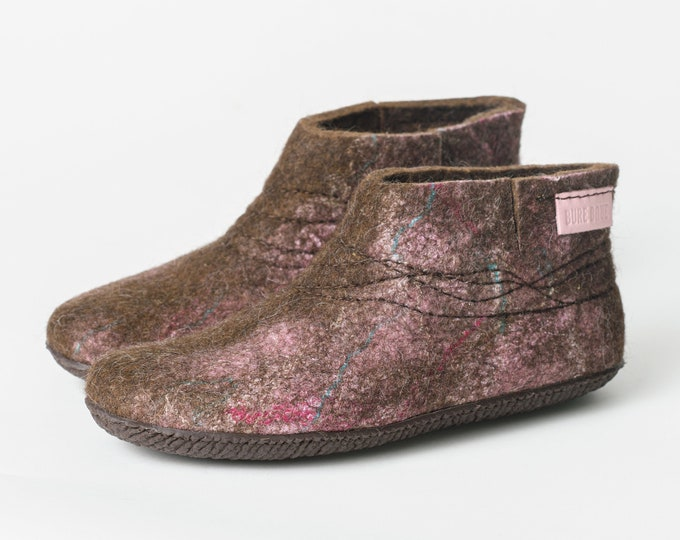 WOOBOOT warm wool boots slippers with sturdy stitching - Natural Brown Pale pink felted wool slippers