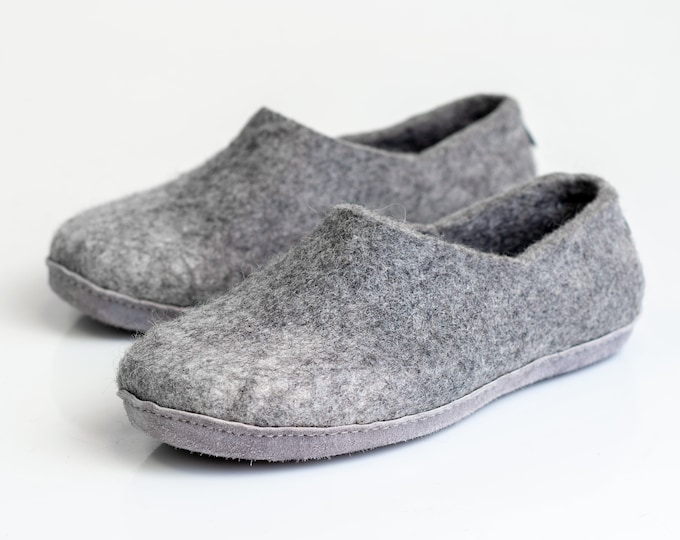 Ready to ship US 10 men, 43 EU size Warm wool men slippers clogs light grey ombre with alpaca wool