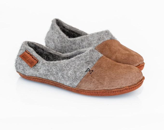 Ready to ship 6,5 /7 US women, 37/37,5 EU Grey  Felted Wool Clogs for Women with Suede Toe Caps