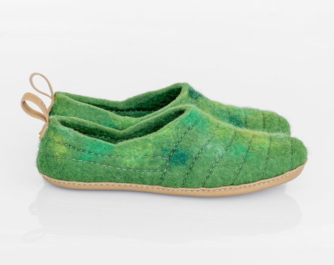 Womens wool clogs slippers with sturdy stitching surface, handy pull loop and leather sole Green Chartreuse COCOON