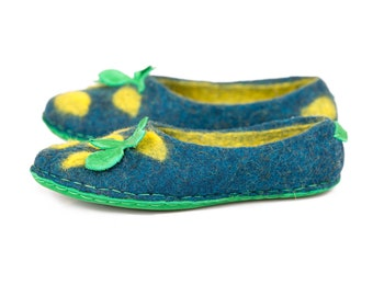 4611b62a5275ba Felted slippers for women with lemon print
