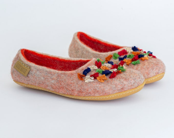 NEW Women wool and alpaca slippers with Indian sari silk ribbons Orange Beige
