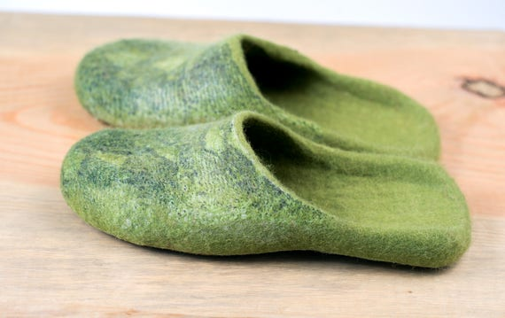 Bure home Green in animal woolen slide from for slippers on Hygge footwear Bure shoes print felted women felted slippers wool Slip AUYwqA