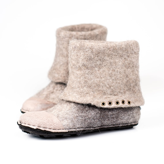Winter grey Valenki in white from and Felted Home Made slippers shoes hands wool alpaca by n shoes Flat boots wool sheep ankle Wxq1nwTCvB