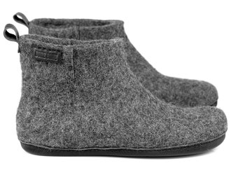 ready to ship US 8,5 Women - US 6,5 Men - 39 EU Warm wool ankle boots slippers with leather pull loop and short side cut, WooBooT