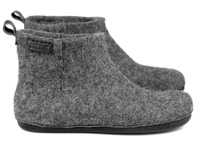 Gray WOOBOOT warm wool ankle boots slippers with leather pull loop & short side cut