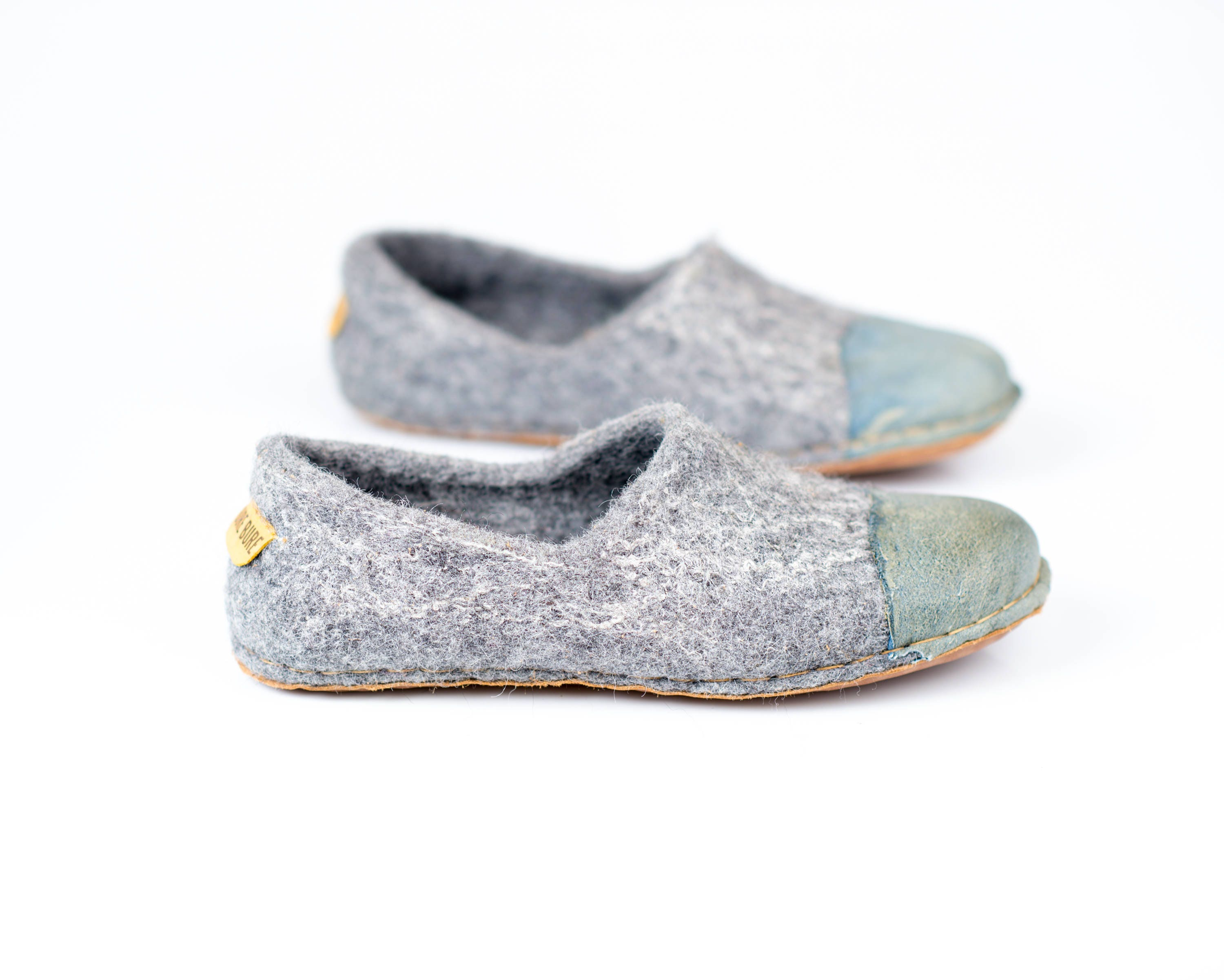 eaf98adf417357 Rustic gray felted woolen shoes for women with denim natural edge ...