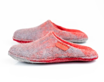 Warm slide slippers from felted wool, Hygge home slippers for women Red slip on woolen shoes, Felted mules Home slides Slip in cozy slippers