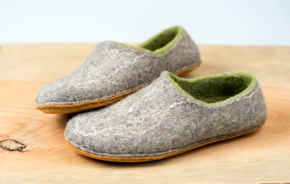 for women handmade felted Gray Europe slippers women slippers hygge felted clogs slippers felt Green in gift housewarming Woodland wool IXpOngq