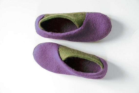 gift slippers her slippers envelope Felted shoes home for womans shoes shoes Cozy olive spring felt Lilac wool Handmade slippers slippers 0qAwpTSFWx