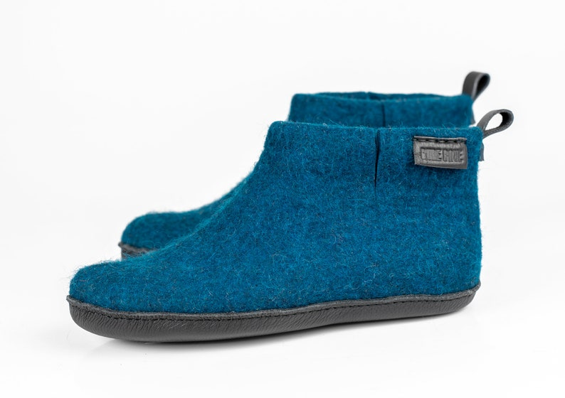 de0631e14453b WOOBOOT woolen ankle mid boots slippers with pull loop in personalised bag