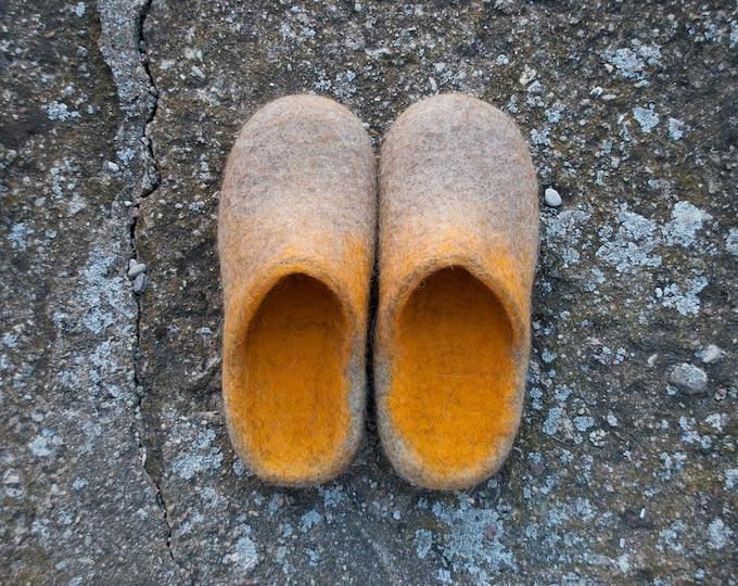 Warm wool felted slide slippers for him, Unisex slip on slippers Closed toe slippers slides, gift for man