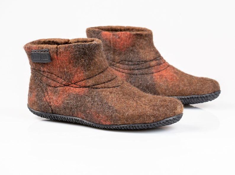 2922dbc298274 WOOBOOT warm wool boots slippers with sturdy stitching in linen bag