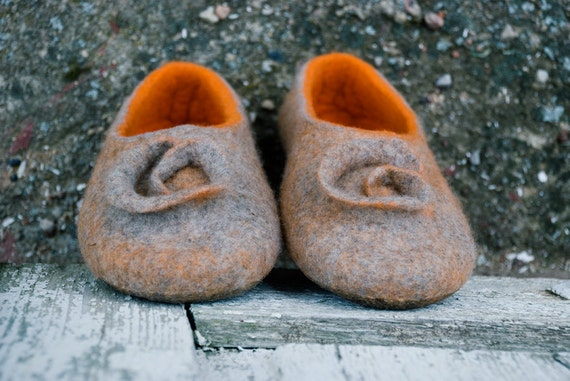 felted Orange women for slippers Felted girlfriend slippers gift slippers Warm shoes slippers footwear house wife Wool housewarming dWWgq6wnFr