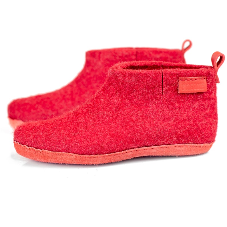 a0a5b40a67ed0 WOOBOOT cozy woolen boots slippers with pull loop in personalised bag