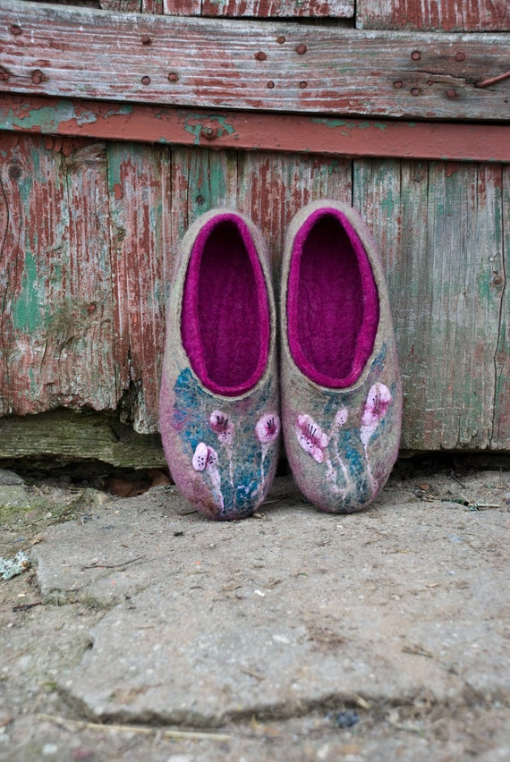 flowers slippers from silk Mothers women slippers Day Wool felted Slippers violet Gift Ultra handmade wool decoration clogs with Wool x7Yzw7Pq