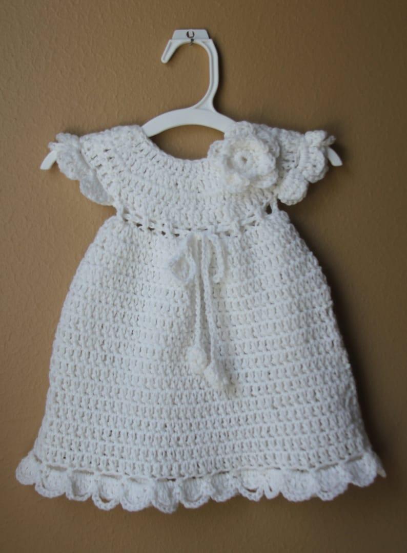 3a3fe81b56368 Crochet bébé Robe tricot fille nouveau-né robe de baptême robe