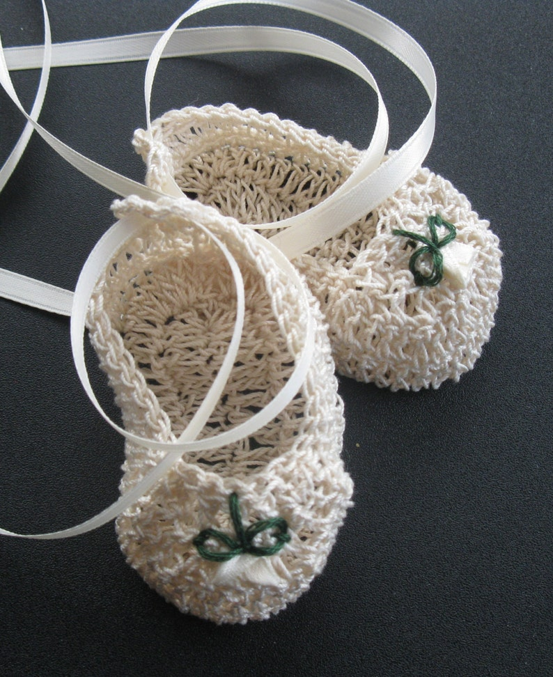 b3bd6e0ea0b38 Crochet Newborn Baby Girl Booties Infant Crib Shoes with Roses Knit Baptism  Mary Janes Christening Reborn Doll Booties Baby Photo Prop