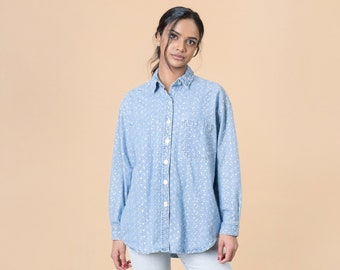 2203114dc04 OVERSIZE EMBROIDERED SHIRT denim jean vintage 90S woman collared loose fit    Medium Large