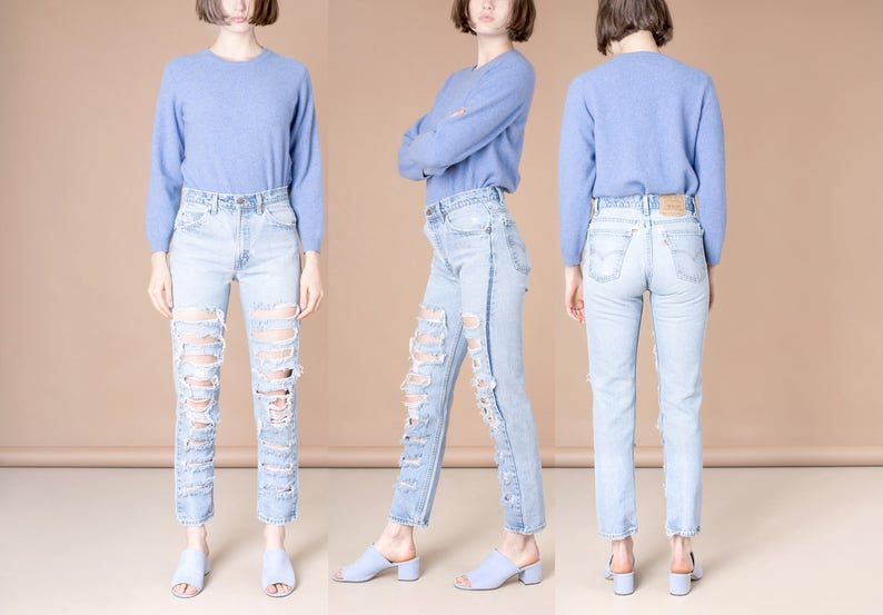 372bfa785 38 39 Inch Hips   Size 7   LEVIS RIPPED JEANS distressed 505