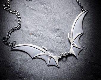 IMMORTEL Vampire wings necklace