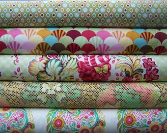 PARISVILLE by Tula Pink Fat Quarter Set in sprout