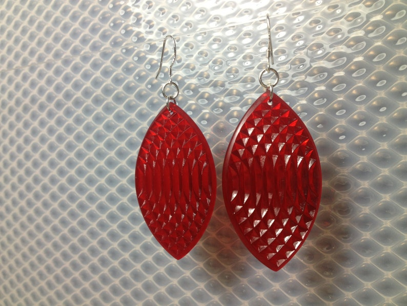Oval earrings in clear red image 0