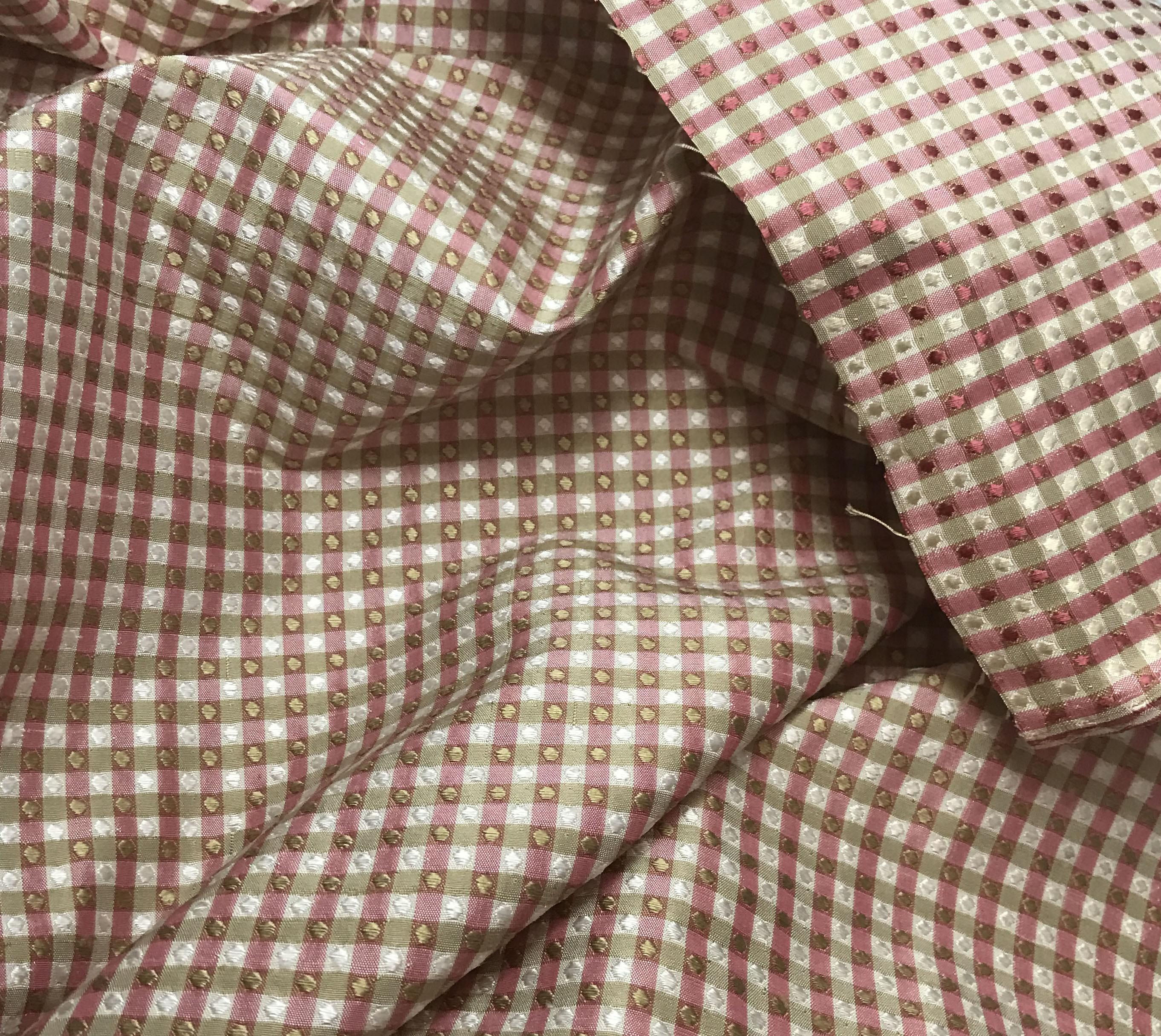 c93f81c1e8c Taffetas de soie tissu rouge canneberge et vérifier le