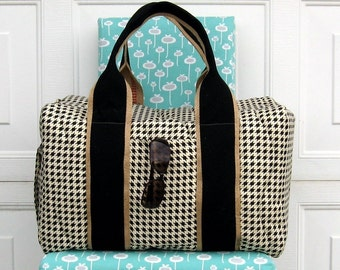 Duffel in Classic Houndstooth