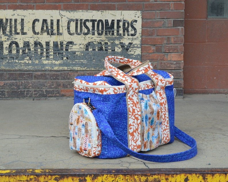 How to Make a Zip Around Duffel Travel Bag Sewing Pattern with image 0