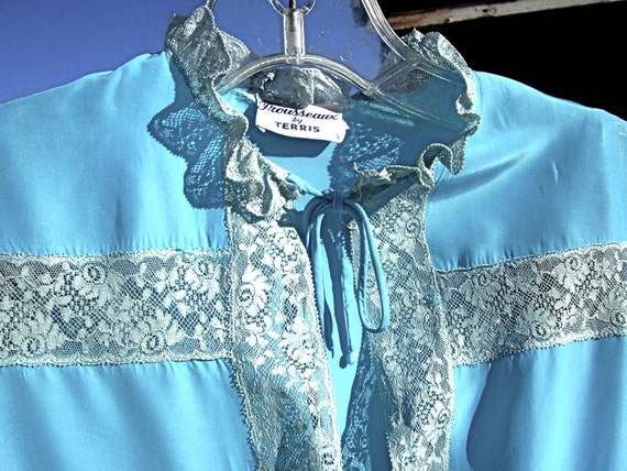 Vintage Rayon 40s Satin Nightgown Set FROZEN BLUE