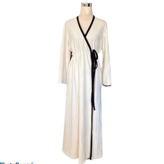 Vintage ivory and black Vanity Fair robe