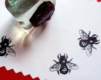 Tiny Bee Honeybee Stamp, beekeeper honey jar stamp-  Handmade by BlossomStamps