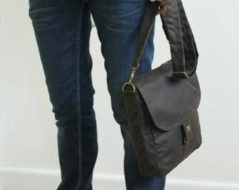 Waxed canvas tablet messenger, waxed canvas bag, brown messenger, waxed bag, unisex pouch, mens, crossbody bag - The Brown Tablet Messenger