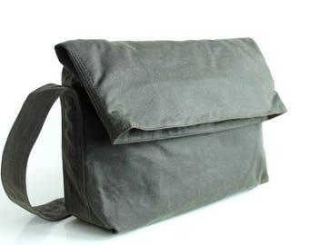 Waxed canvas handbag, waxed canvas purse, waxed canvas shoulder bag, green messenger bag, unisex bag, mens waxed bag - The Olive Fold Top