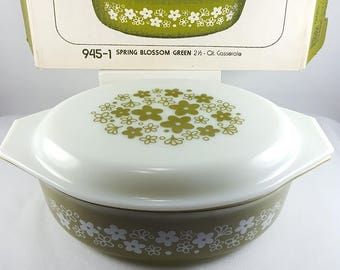Vintage Pyrex - Spring Blossom Green - 2 1/2 Qt Covered Casserole - Two Pieces - New Old Stock - In Original Box