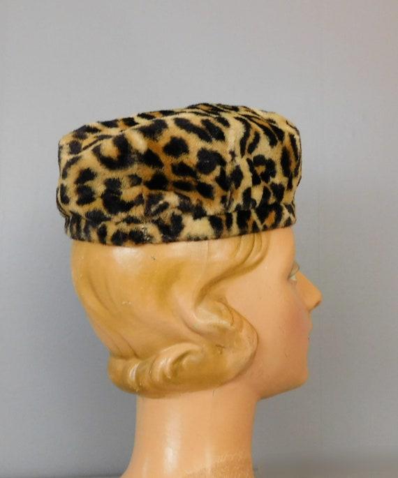 Vintage Leopard Faux Fur Hat, 1960s Toque, 21 inc… - image 5