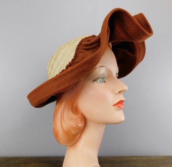 Vintage 1940s Straw & Wool Felt Hat with Wide Wav… - image 1