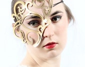 Whirly leather mask in gold
