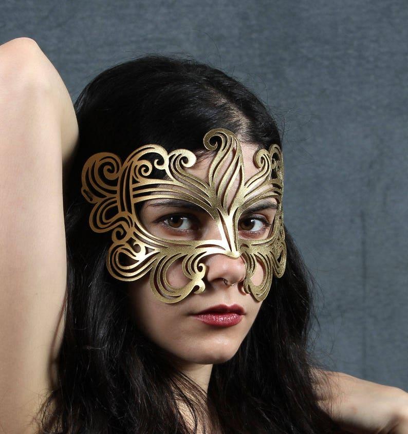 Muse leather mask image 0