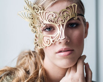 Roxy leather mask in gold